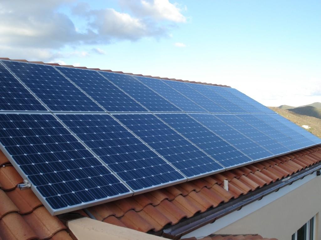 Kuo skiriasi saulės kolektriai ir saulės elektrinės?
